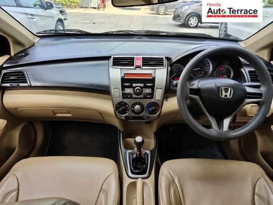2012 HondaCity E