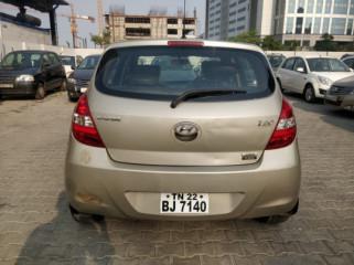 2010 Hyundaii20 2015-2017 Asta (o) 1.4 CRDi (Diesel)